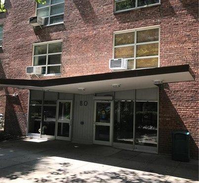 80 Lasalle Street Unit: 2E