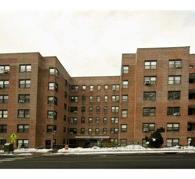 140 E Hartsdale Avenue Unit: 1L