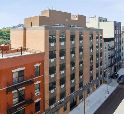 979 Summit Avenue Unit: 3E