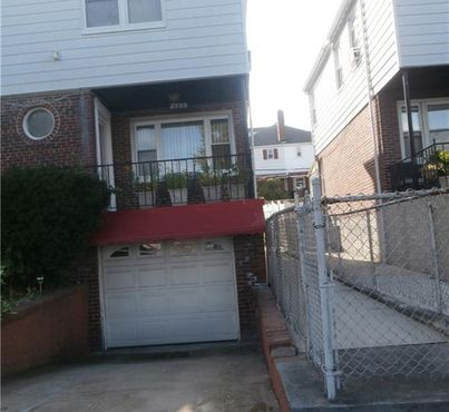 2733 Kingsland Avenue