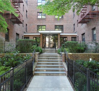 50 White Oak Street Unit: 2-H