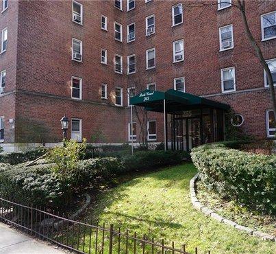 765 Bronx River Unit: 1F