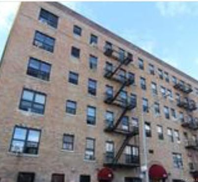 2023 Belmont Avenue Unit: 2