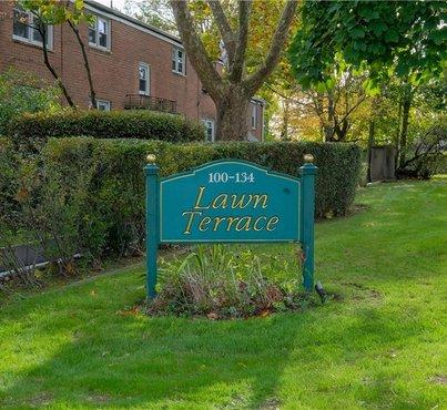 108 Lawn Terrace Unit: B