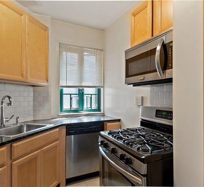 1514 Metropolitan Avenue Unit: 4e