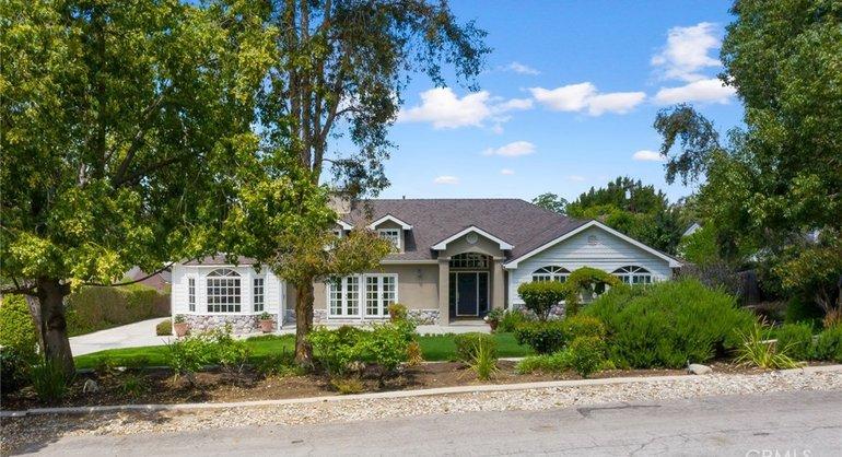 8305 La Sierra Avenue