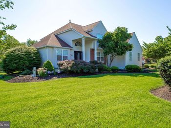 30 Buttonwood Dr