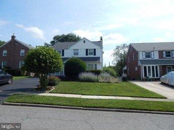 1805 Hawthorne Ave