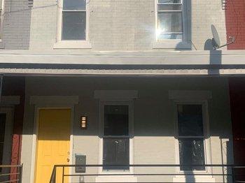 119 N Hobart St