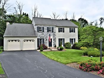 1110 Wooded Pl