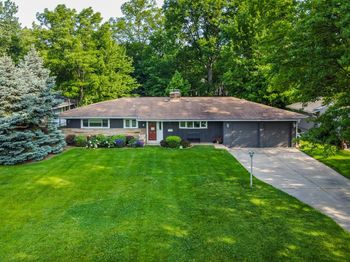 2706 Country Club Blvd. Rocky River, OH 44116