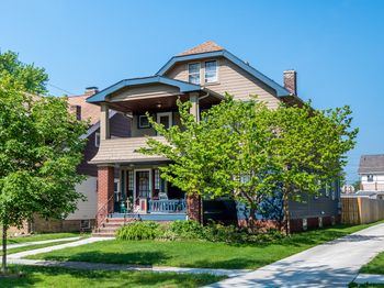 2126 Morrison Ave , Lakewood, OH 44107