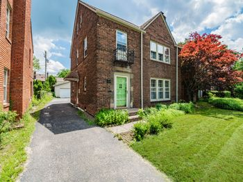2421 Traymore Road University Heights, OH 44118