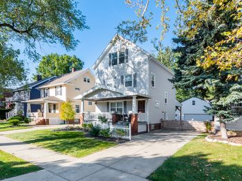 1666 Lincoln Ave Lakewood, OH 44107