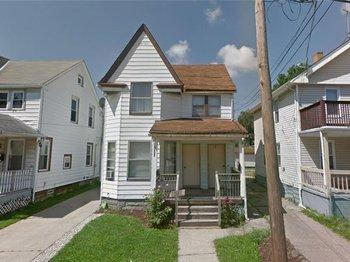 2062 W 105 Street
