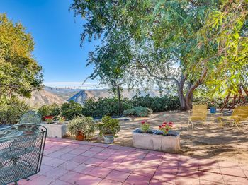 990 Old Mountain View