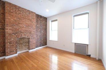 486 Ninth Avenue