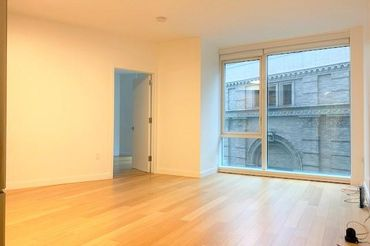 Sunny 1 Bedroom apartment in a luxury building!