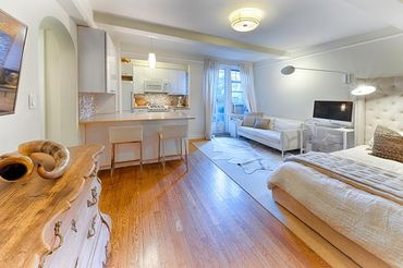 299 West 12th Street, apt. 2A
