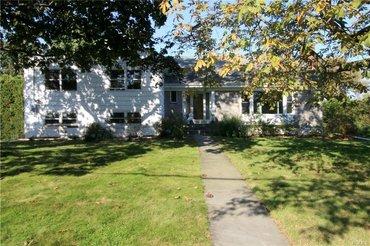 1040 Seven Oaks Lane