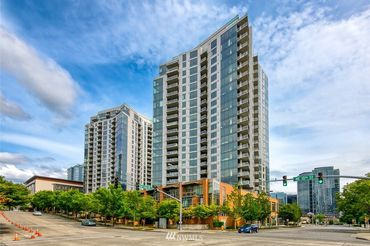 10610 NE 9th Place Unit: 1806