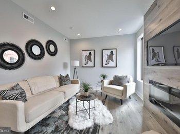 1542 Ridge Ave #5 S Penthouse