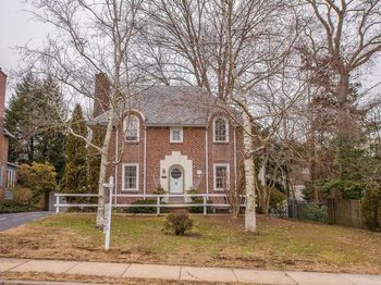 322 Old Forest Rd