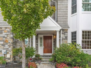 7 Wicklow Ct