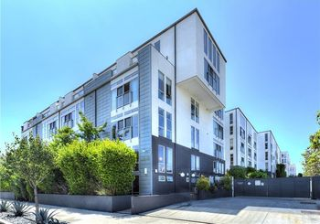 4215 Glencoe Avenue Unit: 319