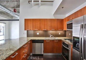 645 W 9th Street Unit: 715