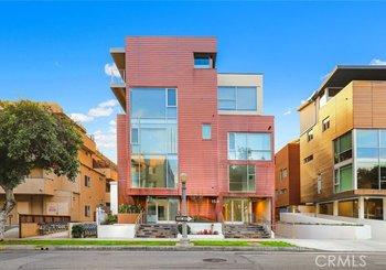 153 S Hudson Avenue Unit: 403