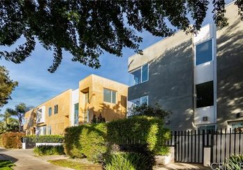 1120 N El Centro Avenue Unit: 8