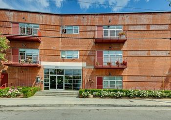 1010 Sycamore Avenue Unit: 205