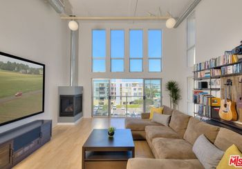 4215 Glencoe Avenue Unit: 431