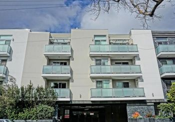 7133 Hawthorn Avenue Unit: 301
