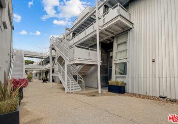 615 Hampton Drive Unit: C304