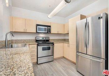 630 W 6th Street Unit: 213