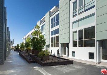 4151 Redwood Avenue Unit: 306
