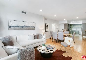 7133 Hawthorn Avenue Unit: 305
