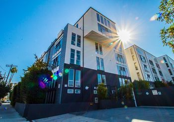 4215 Glencoe Avenue Unit: 221