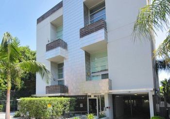 7062 Hawthorn Avenue Unit: 102