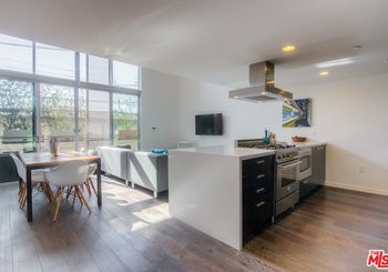 751 N Fairfax Avenue Unit: 2