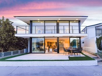 305 Bay Front
