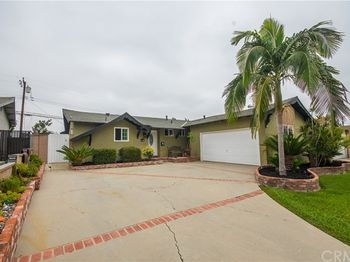 11708 Hollyview