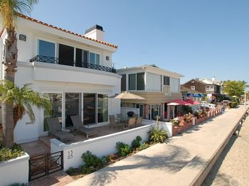 1305 Bay Front