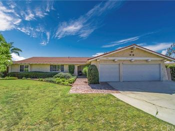 4996 Old Ranch