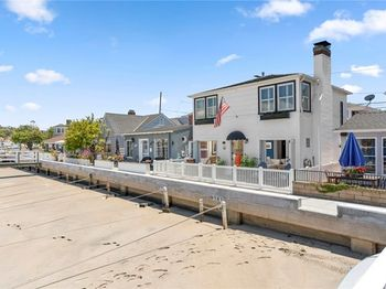 1403 Bay Front