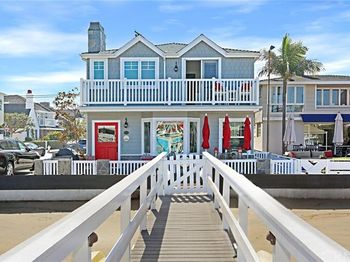 1111 Bay Front