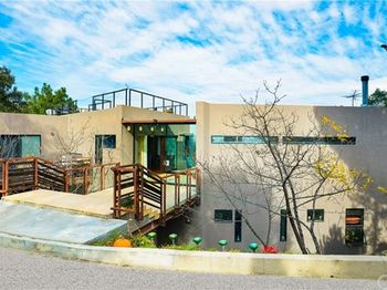 8896 Lookout Mountain