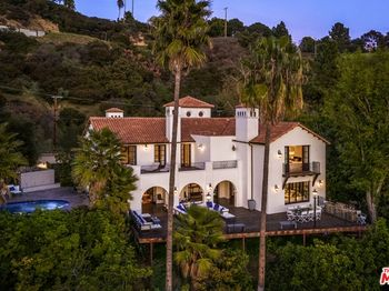 2819 Coldwater Canyon